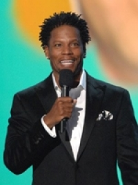 Stand up Comedy: Comedian D.L. Hughley ends his radio show