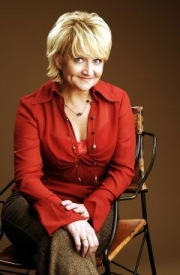 Stand-up comedy => Chonda Pierce Keeps It Clean for First Baptist!