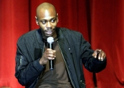 Stand-up comedy => Dave Chappelle's impromptu show drew thousands people to Portland, Oregon
