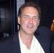Stand-up comedy => Comedian Norm MacDonald to Perform at Foxwoods
