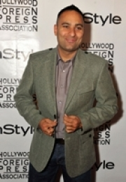 Stand-up comedy => Russell Peters awards the Russell Peters North Peel Scholarship