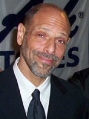 Stand-up comedy => Comedian Robert Schimmel died on Friday night following car accident! R.I.P.