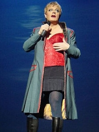 Stand up Comedy: Eddie Izzard at the Hollywood Bowl!