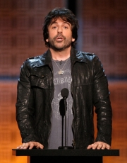 Stand-up comedy => Greg Giraldo in critical condition after accidental drug overdose