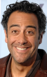 Stand-up comedy => Comedian Brad Garrett Performs in Phoenix!