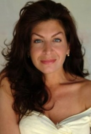Stand up Comedy: Tammy Pescatelli  comes at Murphy Theatre this Saturday